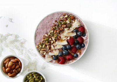Coconut And Banana Berry Smoothie Bowl